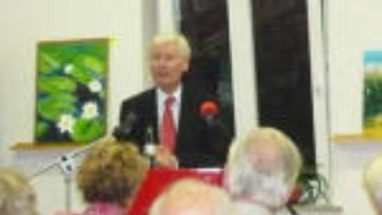 Dr. Henning Voscherau