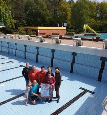 Heidelauf-Vertreter-v.l.-Elvers-Groth-Rust-F.Störmer-B.Störmer-Schneider-Vorne-Handtke-FOTO-RosySchnack.jpg